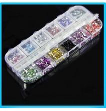 12 spalvų nagų dekoravimo perliukų rinkinys