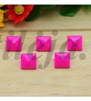 100 vnt. 12 mm rožinės kniedės KND004